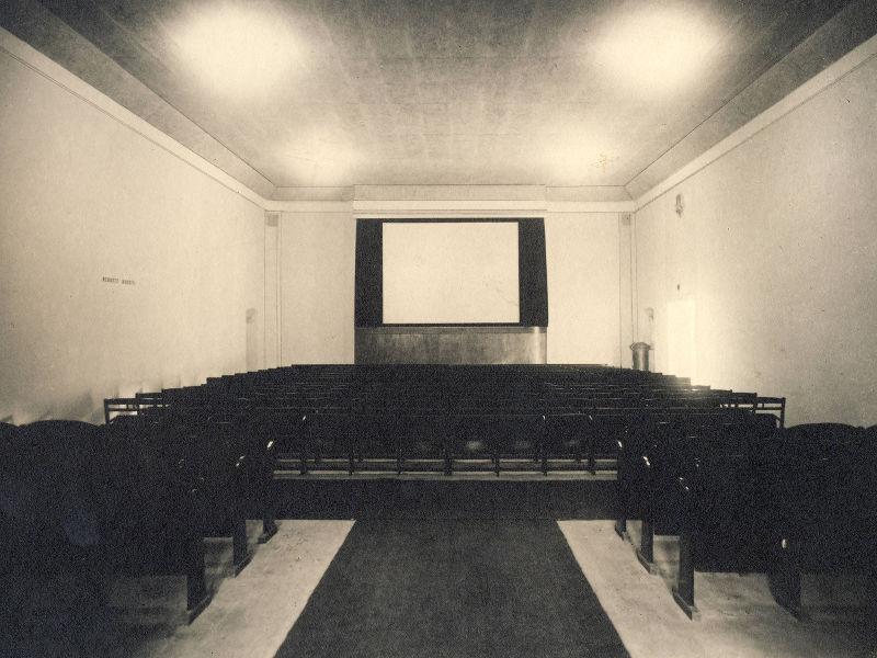 Kino na archivní fotografii