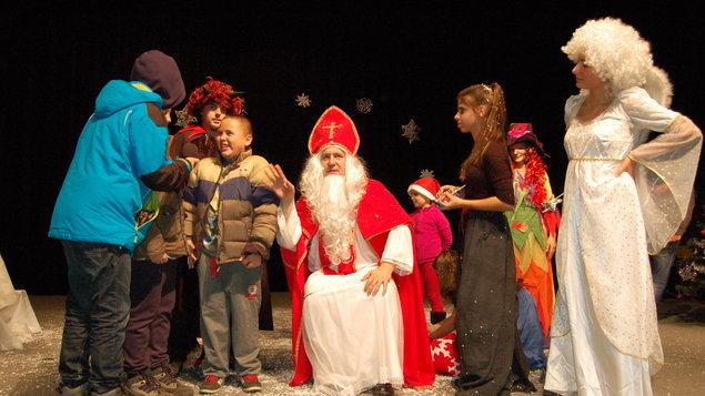 Mestský Mikuláš a vianočné tvorivé dielne