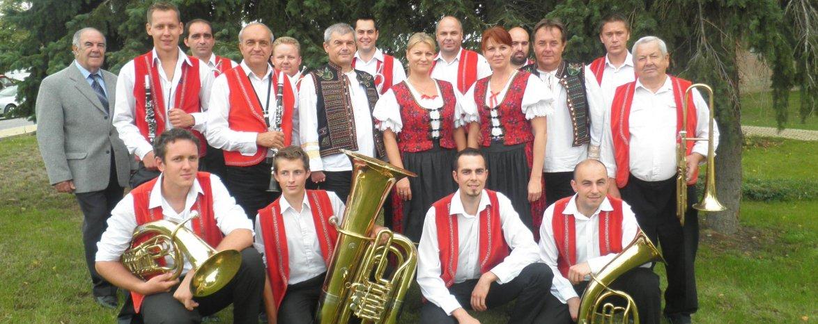 Promenádny koncert v Parku M. R. Štefánika - hrá dychová hudba Skýcovanka