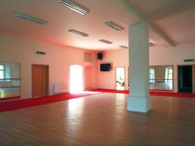 Malý (taneční, zrcadlový) sál v 1. poschodí