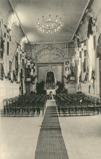 Dobová fotografia sály zo slávnosti 25. výročia Katolíckeho tovarišského spolku