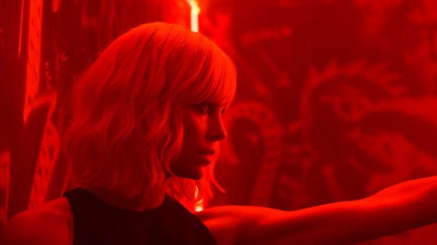 Atomic Blonde: Bez lítosti