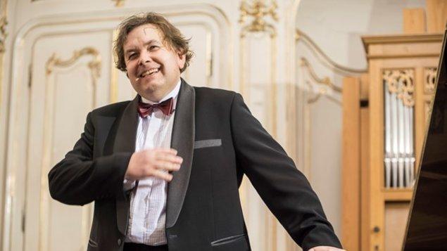 Géniové světové hudby v klavírních proměnách