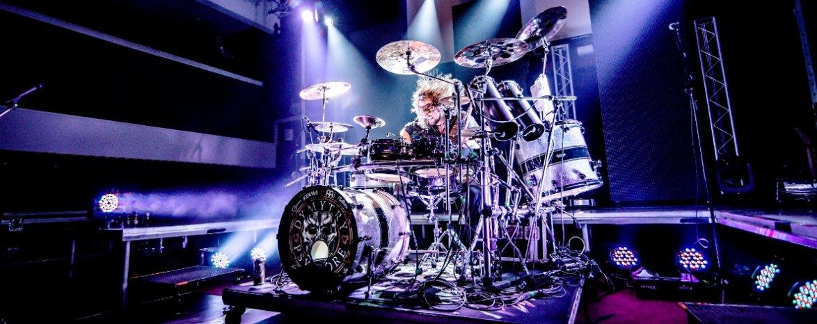 Miloš Meier DRUMMING SYNDROME - bubenická live show