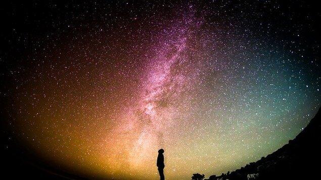 Vesmírný poutník – literárně hudební pořad o věčných otázkách lidstva