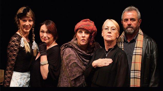 Divadlo: Commedia Finita