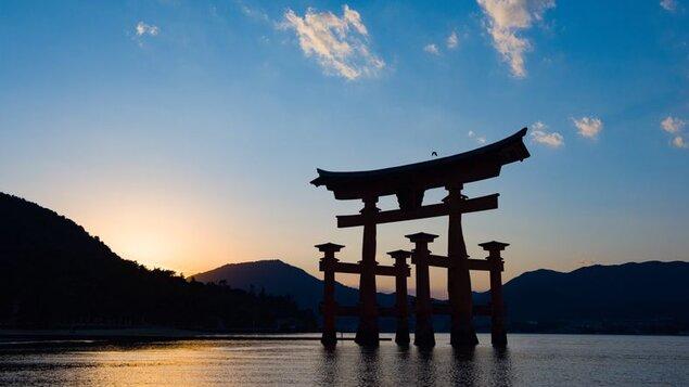 JUDr. Patrik Hrbek: JAPONSKO – KRAJINA HISTÓRIE A BUDÚCNOSTI