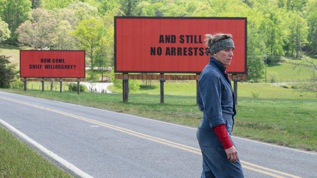 Tri billboardy kúsok za Ebbingom