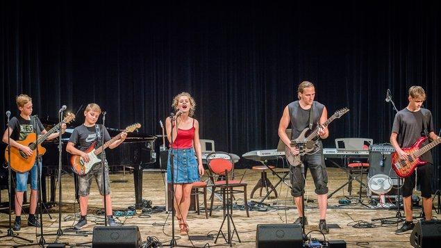 dbe2e13e4 NEZMAŘI 40 - výroční koncert legendární folkové kapely – program a ...