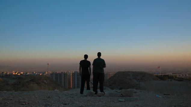 Jeden svet: Iránsky rave