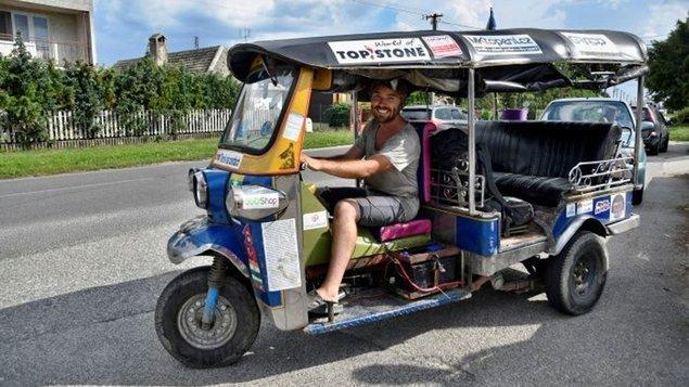 Tuktukem z Bangkoku domů s Tomášem Vejmolou