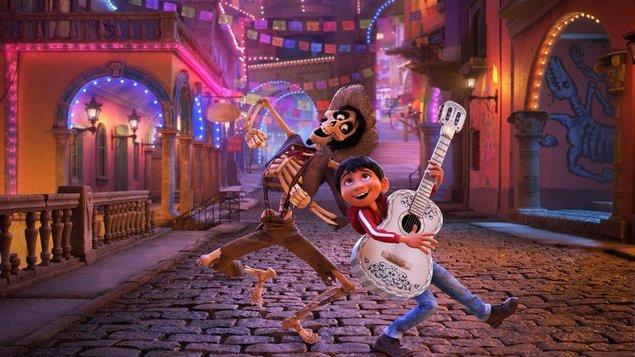 Coco a Vianoce s Olafom