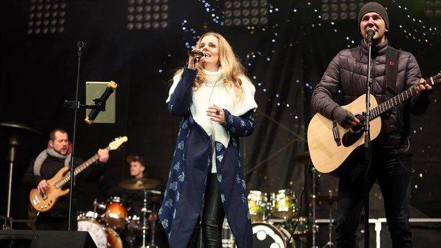 Vianočný koncert Veroniky Rabada s kapelou
