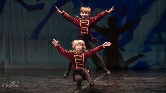 LOUSKÁČEK (baletní škola Kladno)