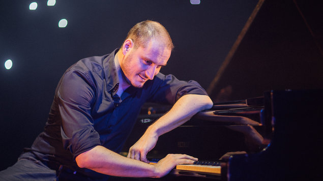 Jozef Hollý & band - piano show