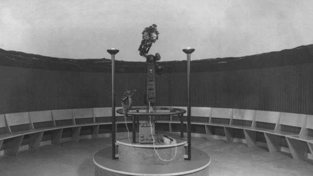 Vesmírná divadla - Historie a současnost planetárií