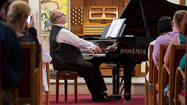 Roman Rauer ~ klavírní recitál
