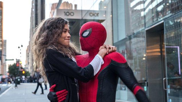 Spider-Man: Ďaleko od domova - Pókember: Idegenben
