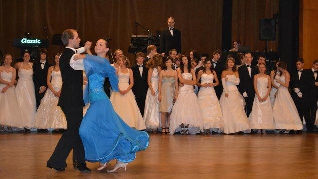 Prodloužená kurzu společenského tance pro mládež