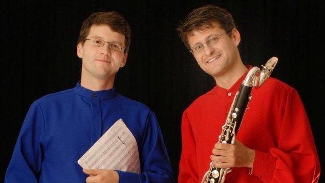 Colour Bass Duo