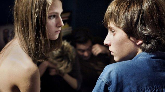Osamelosť prvočísiel | Zamilované leto | €urofilmy