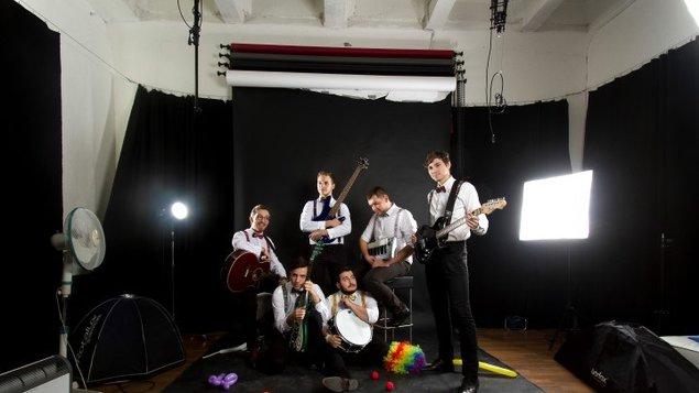 573a1c9d8 ICONITO & Bod omylu - koncert – program a vstupenky online | Kasárne ...